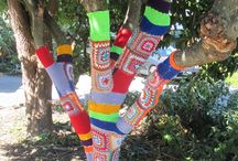 Magical Tree / Creating a colorful energy space using wool and nature