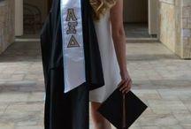 Graduation Pic Ideas