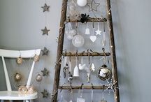 Christmas Decor Ideas / Christmas decorating ideas for the home. Minimalist, modern, simple, cosy, rustic, vintage, Scandinavian Christmas decor and fireplaces.