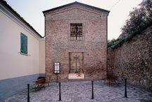 Museo nel borgo di Longiano / In una chiesetta sconsacrata del '700 sono esposti manufatti in ghisa ottocenteschi di rara bellezza e ricchi di decori