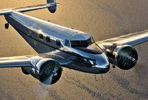 Piston Planes / Wonderful vintage prop planes