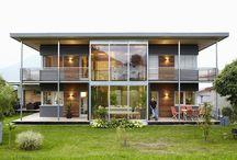 Landhäuser als Fertighäuser / Hier findet Ihr wunderschöne Landhäuser in Holzfertigbauweise: