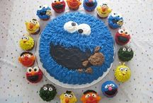 Fun and Interesting Cakes & Cupcakes / by Debbie E