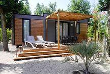 Glamping: Premium Camping Urlaub und Unterkünfte / Hier zeigen wir die schönsten Unterkünfte aus der Kategorie Glamping und präsentieren Camping mal von seiner luxuriösen Seite: Premium Camping heißt das bei uns und bietet Qualität und Komfort kombiniert mit dem Freiheitsgefühl vom klassischen Campen.