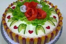 slané torty a obložené misy