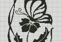 kytka s motýlem