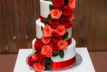 Cili Cakes / Beautiful wedding cakes created on-site by the pasty chef, Heather, at Cili Restaurant at Bali Hai Golf Club.