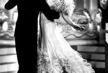 """V бал - маскарад Летучая мышь / V Бал-Маскарад Летучая мышь сегодня в 5:15 Друзья,скоро бал и мы напоминаем вам,что прекрасные наряды для бала можно посмотреть у наших партнёров:  - Салон вечерней и свадебной моды """"Элит"""" - http://vk.com/club10762323   - Лен фильм - сказочные и исторические наряды - м. Горьковская,пр. Каменноостровский, 10,сказать,что от Марина Король  - украшения для волос и шляпки - в салоне """"Анви"""",стилиста и дизайнера шляпок Анны Михайловой - //vk.com/shlapka  - Украшение из живых цветов - Цветория"""