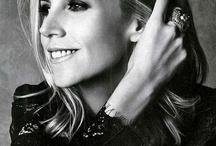 t o r y • l o v e / Love her classy style....