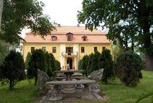 Juszczyn - Pałac / Pałac w Juszczynie wybudowany w 1825 r.  przez rodzinę Rothkirsch. Obecnie pałac stanowi własność prywatną pełniącą funkcję ośrodka konferencyjno-wypoczynkowego.