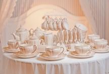 Colectia Romantic / Gama de portelanuri pictate manual, Romantic cuprinde mai multe piese cu aspect clasic, simplu si elegant.