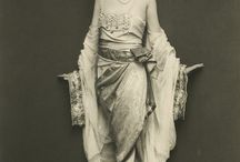 FASHION ARCHIVES -1920-1930 / Fashion 1920 & 1930, Flappers, Fashion Statements of the '20's, Dresses