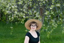 How to Wear a Wide-brimmed summer hat