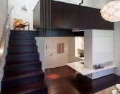 Cum mobilăm o locuinţă cu suprafaţă redusă? / Amenajarea unui apartament foarte mic reprezintă o adevărată provocare chiar şi pentru specialişti – rezultatul final trebuie să fie unul funcţional, însă locuinţa nu trebuie să fie aglomerată, iar imaginea nu poate fi neglijată. IMOPEDIA.ro prezintă una dintre soluţiile propuse de firma de arhitectură Specht Harpman pentru un micro-apartament amplasat în Manhattan. http://media.imopedia.ro/stiri-imobiliare/idei-de-amenajare-cum-mobilam-o-locuinta-cu-suprafata-redusa-foto-21039.html