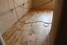 REALIZACE - Dubová masivní podlaha / https://podlahove-studio.com/prkna/1373-vyprodej-bez-povrchove-upravy-dubova-masivni-podlaha.html