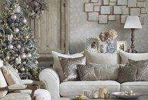 Contemporary Christmas Living Room / Contemporary Christmas Living Room decor and home styling ideas