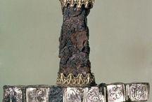 kleding uit de 12e eeuw en daarvoor / by Joska Pouw