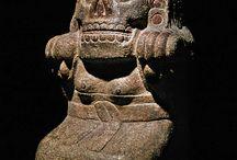 Sculptures / Ancient sculpture from the Incas. Mayan, Aztecs,