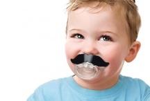 Cadeaux insolites pour bébé / Bébé a aussi droit à sa petite collection de cadeaux et gadgets insolites. Humour, dérision et parfois même pratiques !