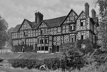PITCHFORD HALL SHROPSHIRE / A sixteenth century country house