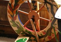 Painted Spinning Wheels / Painting your spinning wheel is a way to make it truly unique and personalized! Here are some to inspire you!