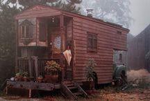 Home Exterior / by Katie Bettencourt