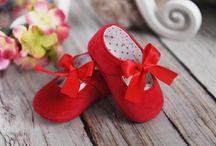 B jak Buciki / buciki dla maluszków, baby shoes