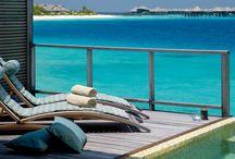 Maldives / Eaux cristallines, lagons tapissés de coraux, plages de sable fin, soleil à profusion… Aux Maldives, la nature a donné rendez-vous aux voyages inoubliables