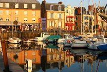 Les plus beaux ports de Bretagne! / Si la Bretagne est une terre de caractère et de charme, ses nombreux ports en sont une des raisons. Voici un album dédié à ces espaces entre Terre et Mer.