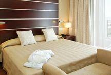 ILUNION Málaga / Descubre nuestro nuevo hotel ILUNION Málaga, situado en el Paseo Marítimo Antonio Machado nº 10, a 5 minutos del centro de Málaga próximo al puerto deportivo. Cuenta con 178 habitaciones la mayoría de ellas con vistas al mar. Es uno de los primeros hoteles ecológicos de España