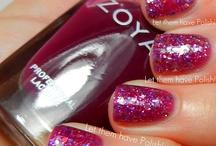 Pretty Nails / by Deanna Smith-Powers