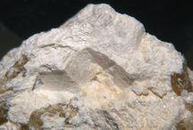 Riversideite 09.DG.10 / SILICATES (Germanates) | Terminologie structurale d'Inosilicates* selon Liebau (1985) | Inosilicates avec 3 chaînes périodiques simples & multiples ► Ca5Si6O16(OH)2•2(H2O)