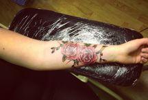 rose tattoos / Body art (roses)
