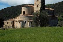 ABBAZIA DI / ABBAYE DE / ABBEY OF SANT'ANTIMO / CASTELNUOVO DELL'ABATE (SIENA) - http://youtu.be/0mGcL9ZYn6M