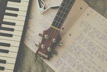 uke ulele (ukulele)