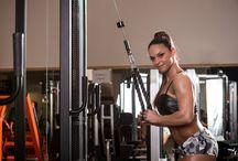 2014-es FitDress Kollekció / Egy remek fotózás a Gym City-ben, gyönyörű modellek, fitnessbajnokok és a FitDress 2014-es kollekciója .