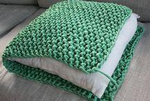 Crocket pillow