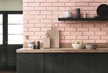 ピンクの壁
