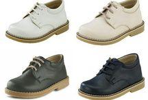 Παιδικά Παπούτσια για Αγόρια / Βαπτιστικά και όχι μόνο βαπτιστικά!  Ανατομικά αθλητικά, monk strap, oxford, μοκασίνια και άλλα πολλά παπούτσια για αγόρια σε διάφορα σχέδια και χρώματα, στις καλύτερες τιμές της αγοράς!  Διαθέσιμα Νούμερα από 18 έως 27