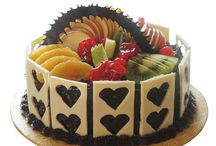Fruit Cakes Online / The fruit and cake combo is difficult to beat. That is why you should buy fruit cakes online to make your special occasion even more special.
