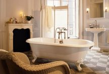 Vintage Bathroom Design / All vintage bathrooms for inspiration. Feel free to follow, like, and pin.
