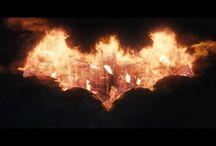 Batman: Arkham Knight / #TuSeiBatman #WarnerGames -  Batman: #ArkhamKnight è in pre-ordine per PS4 (http://go.wbros.it/BatmanKnightPS4), Xbox One (http://go.wbros.it/BatmanKnightXBox) e Pc (http://go.wbros.it/BatmanKnightPc)!
