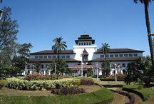 Wisata di Bandung / Kunjungi tempat-tempat wisata di Jakarta dan dapatkan informasi tentang tiket pesawat, hotel, rencana perjalanan hanya di blibur.com