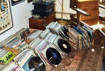 gramofonové desky, VHS, audio kazety...