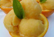 desserts / by Marlene Santo Julian