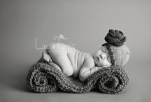 Baby/Newborn photo ideas / by Viviane Santos