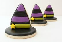 Decorated Halloween Cookies / by Rosalie Romero