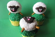 Cakes/Cupcakes / by Jenna Miller