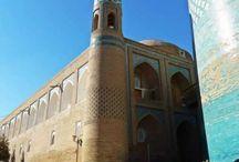"""A selyemút mentén Üzbegisztánban / 1000 út utazási iroda szervezésében láttam a csodát """"A selyem út nyomán Üzbegisztánban"""" Éveken át csodáltam és vágyakoztam erre az utazásra. Nem csalódtam és köszönöm, hogy láthattam. Az ősi városok utcáin sétálva az Ezeregyéjszaka középkori világában lépkedtem. a szívemben őrzöm az emlékeket. Ezek a képek amit készítettem  zenés videóban  őrzik a sok szép látványt ."""