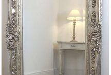 Mirrors / Speil speil på veggen der....